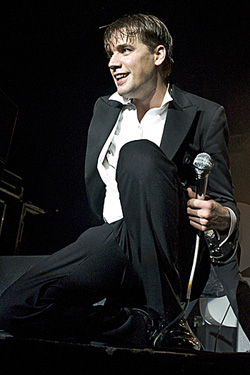 121122-The-Hives-0.jpg