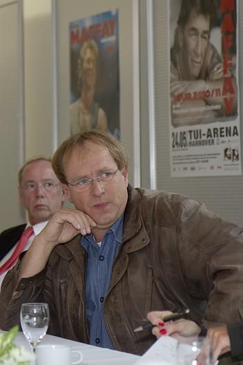 Peter Maffay Pressegespräch In Wolfsburg Spiegelpalast